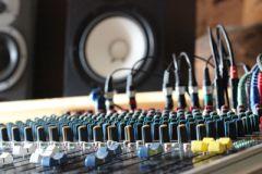 studio mat riel la maison du son. Black Bedroom Furniture Sets. Home Design Ideas